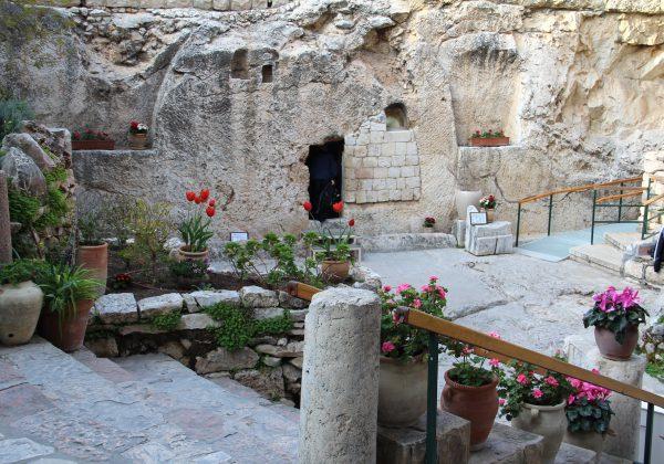 בין הקברים המפורסמים בירושלים: טיול היסטורי ובלתי נשכח